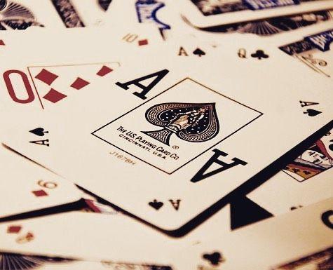 Три тысячи долларов выиграл в покер Ричард Никсон и потратил их на свою первую предвыборную кампанию. Став 37-м президентом США он продолжал оставаться большим любителем покера и нередко просиживал за карточным столом в Белом Доме. Вообще едва ли не половина всех президентов США играли в покер. #покер #покерстарс #казино #турнир #карты #poker #pokerstars #casino #cards #games #fun #chips #play #pokerlife #freeroll