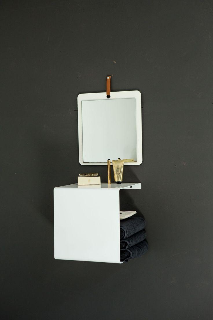 Showcase#0 shelf in the bathroom