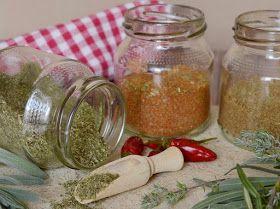A készen kapható helyett magunk is készíthetünk különféle fűszerkeverékeket. Az így kapott ízesítők sokkal illatosabbak és nem ...