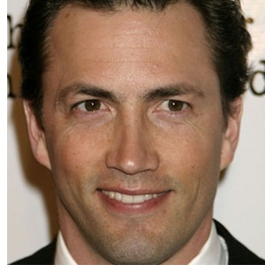 Happy Birthday Andrew Shue! He turns 46 today...