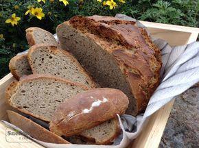Křupavý, voňavý, poctivý chléb z živého žitného kvásku z pšenično žitné mouky.