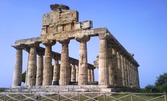 25 Aprile - Idee di viaggio per il ponte tra terme e natura: #Paestum - Tempio di Atena --> http://www.allyoucanitaly.it/blog/25-aprile-idee-di-viaggio-per-il-ponte