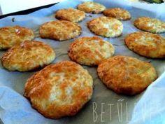 Sokkolóan finom, fitt sajtos tallér :)   Betűleves