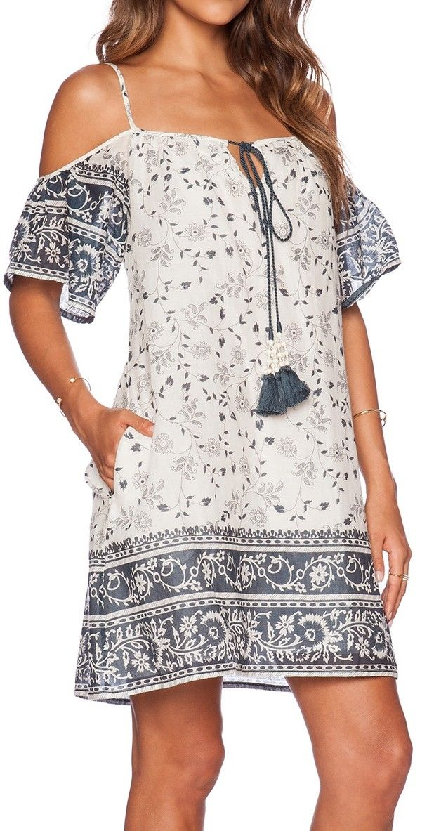 Spaghetti strap vintage print dress. So lovely!