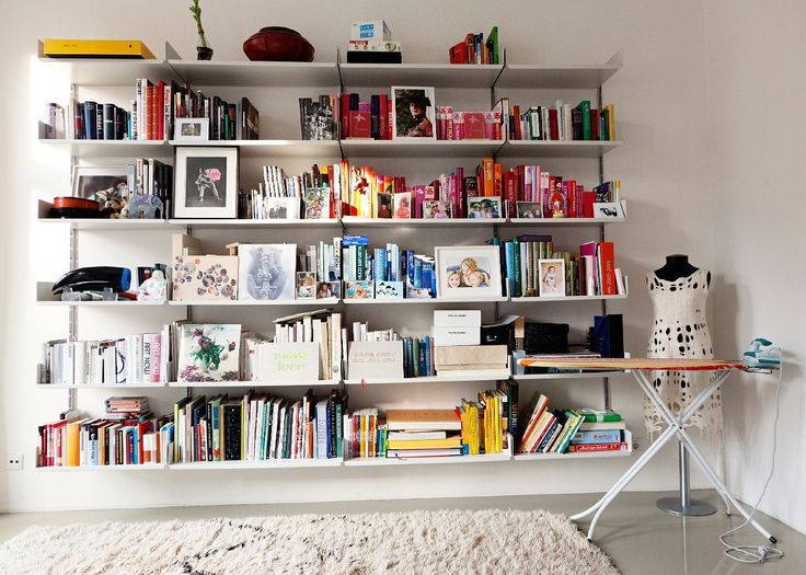 .: Bookshelves, Work Rooms, Color, Books Shelves, Angelikataschen, Books Collection, Interiors Design, Angelika Taschen, Irons Boards