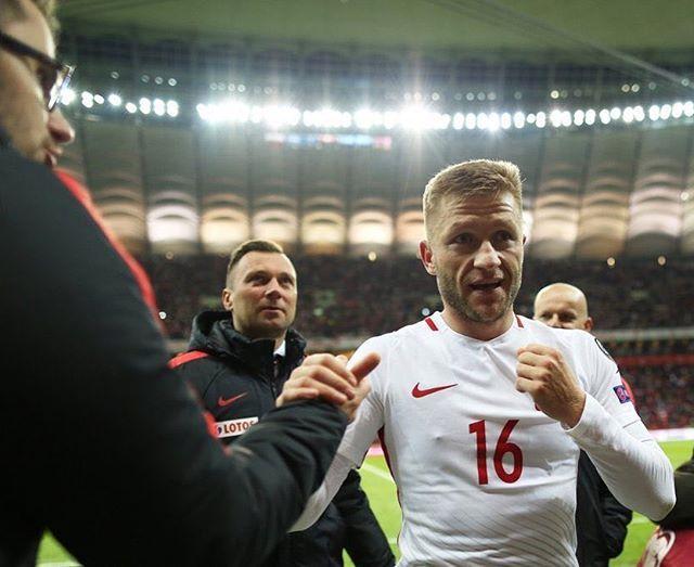 Zanim ogłosimy żałobę narodową,  chciałem podziękować tej drużynie za 6 punktów w dwóch meczach #łączynaspiłka #błaszczykowski fot. @cyfrasport