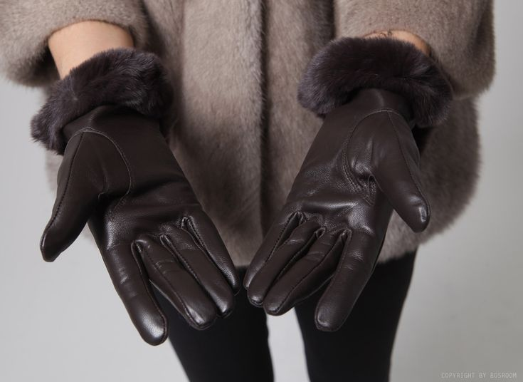 BOSROOM │ Shop trendy leather & fur clothing / Rex fur leather gloves
