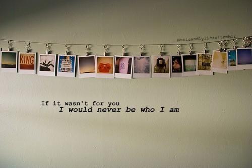 Pi di 25 fantastiche idee su appendere le foto su - Vi si confezionano tappeti da appendere al muro ...