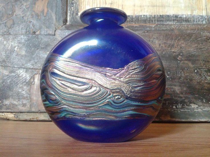 Irisierend Glas Vase -  Signiert  glass vase - H  ca. 10cm - sign,