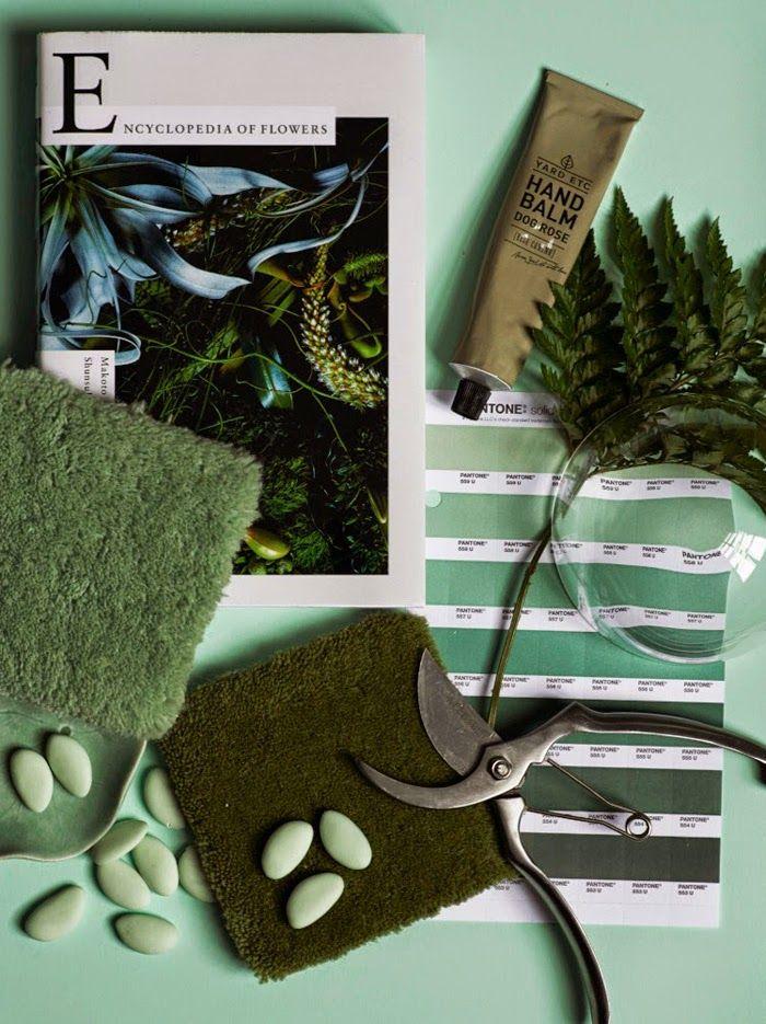 Galet fina gröna moodboard. Inspiration stylad av Lotta Agaton i sommarnumret av Residence. Älskar!   StylingLotta Agaton | Photo Pia Ulin | Residence Magazine