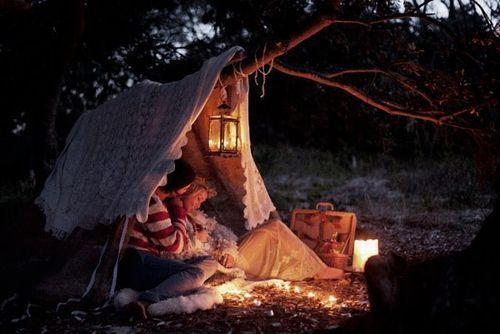 Nappe Bois Et Chiffon : Romantic Camping Couple Tent