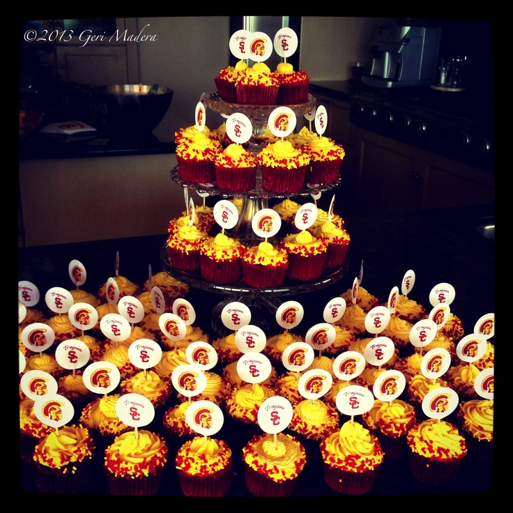 USC cupcakes: Football Jewelry Party, Graduation Party, Usc Brunch Party, Adalie S Graduation, Futureuscgrad Trojans, Lyssa S Graduation, Graduation Ideas, Usc Trojan, Trojans Football