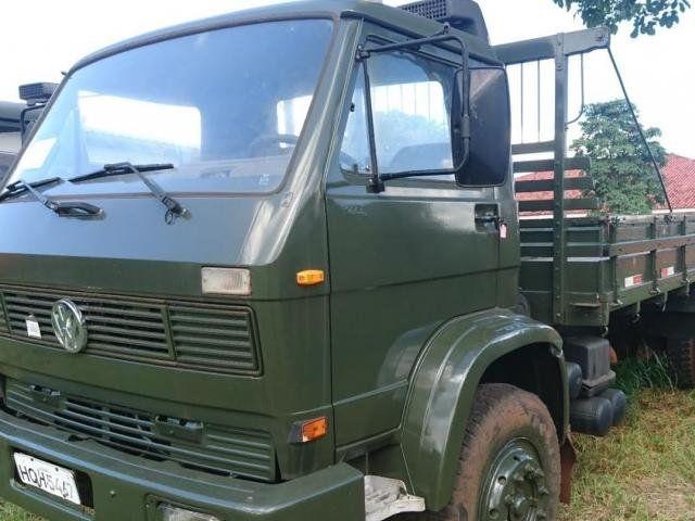 Com 92 lotes, leilão do Exército oferta caminhões, carretas e carros - https://forcamilitar.com.br/2017/06/06/com-92-lotes-leilao-do-exercito-oferta-caminhoes-carretas-e-carros/