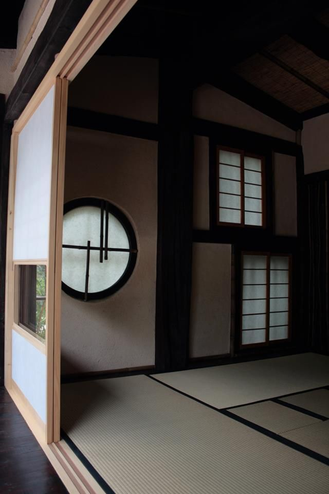 Traditional Japanese design, the tatami room with dividers. Beautiful.