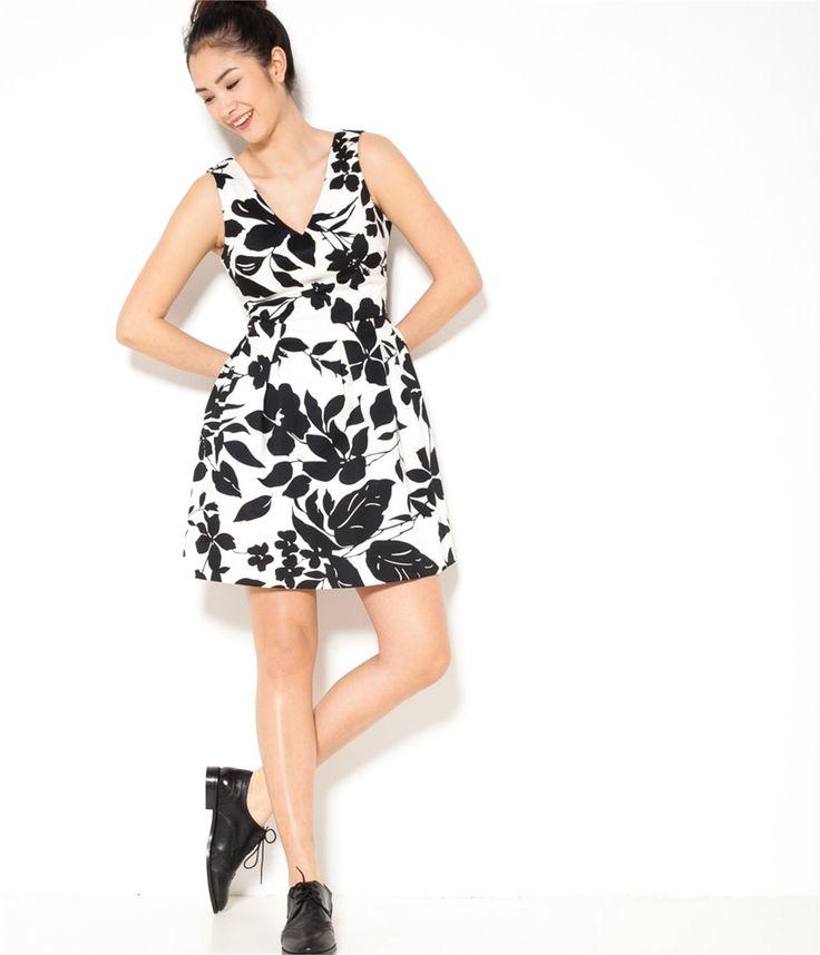 vente robe patineuse fleur noire t36 robe camaieu une robe femme dont vous ne pourrez plus. Black Bedroom Furniture Sets. Home Design Ideas