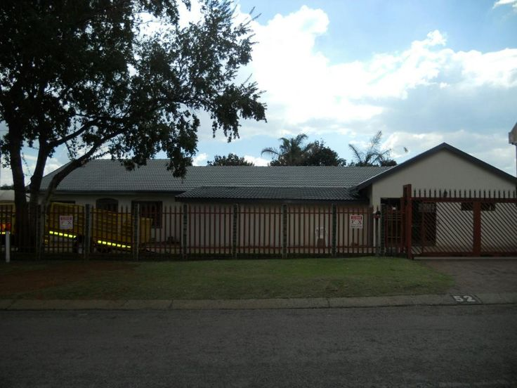 PROPERTY WITH BUSINESS RIGHTS ON HENNIE ALBERTS