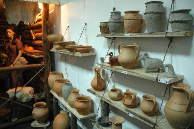 2012-10-2629__ro__ZA__Expo ceramica (FP) 2.jpg.jpg 640×425 pixels Dacian pottery museum exhibition