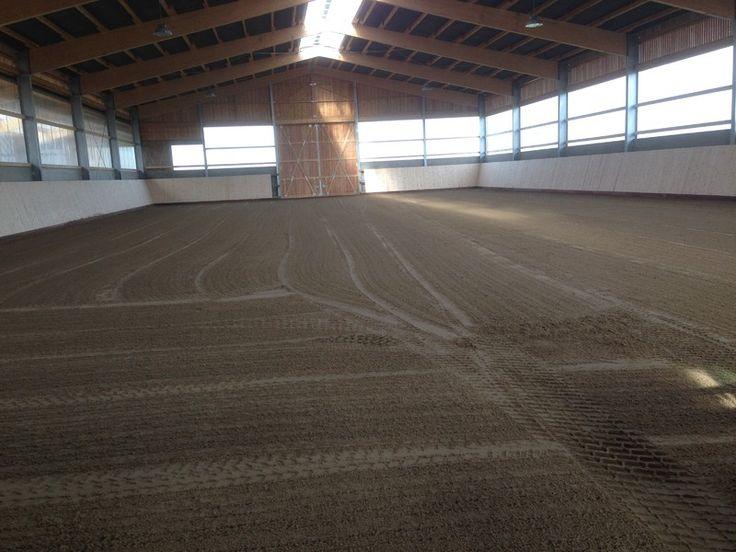 Columbus Ebbe-Flut-System in 20x40m Reithalle /                                                 Columbus Ebb & Flood System in a 20x40m indoor arena