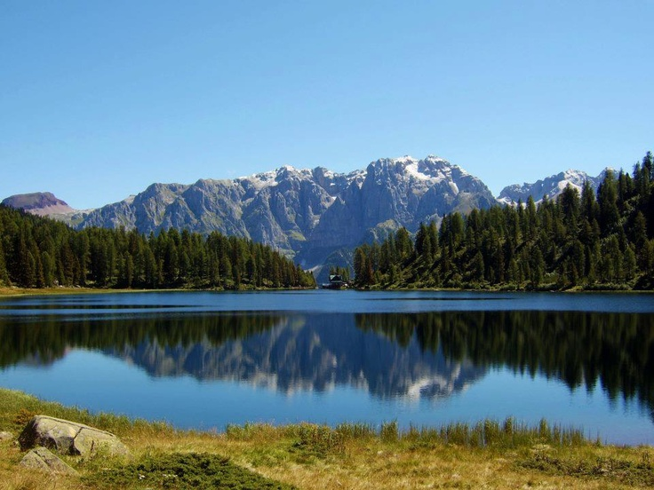 #Trentino #lagodellemalghette #lakes #beautifullandscape #lovemountains #bluesky #valrendena #campiglio #madonnadicampiglio