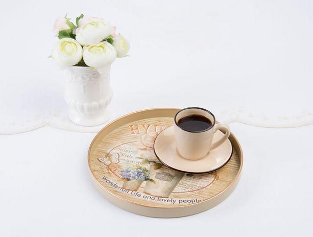 Şıklığıyla çay ve kahve saatlerinize eşlik edecek yepyeni tepsilerimizi gördünüz mü? Ürünlerimizi incelemek için; goo.gl/DivSx2