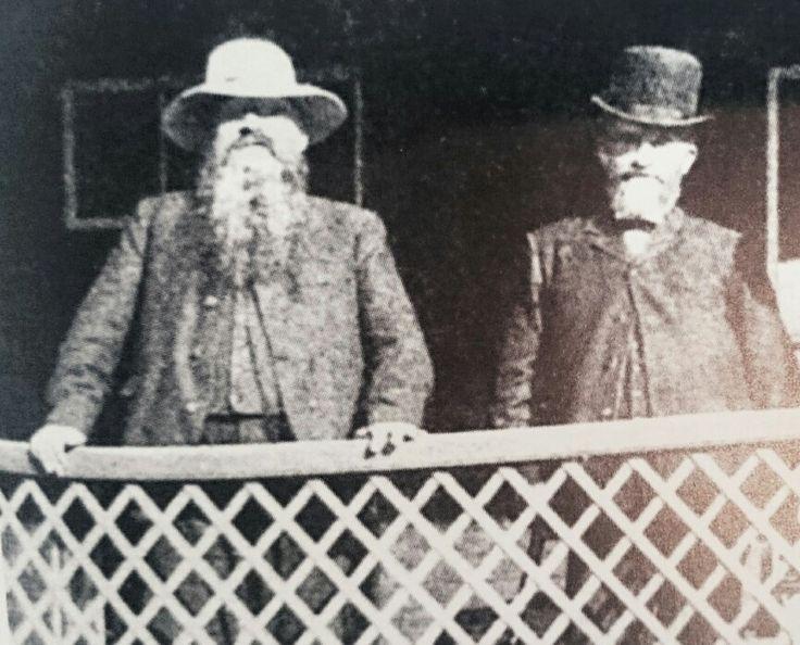 Pres.M.T.Steyn en genl. Christiaan de Wet,  tydens n besoek aan pres.Steyn op sy plaas Onze Rust, 1909.
