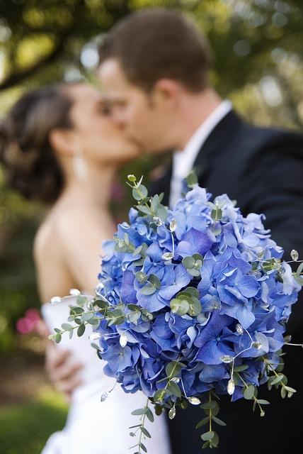 gorgeous blue hydrangea bouquet!