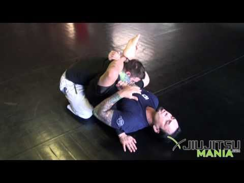 Technique - Eddie Bravo - Armbar From Rubber Guard  - JiuJitsuMania