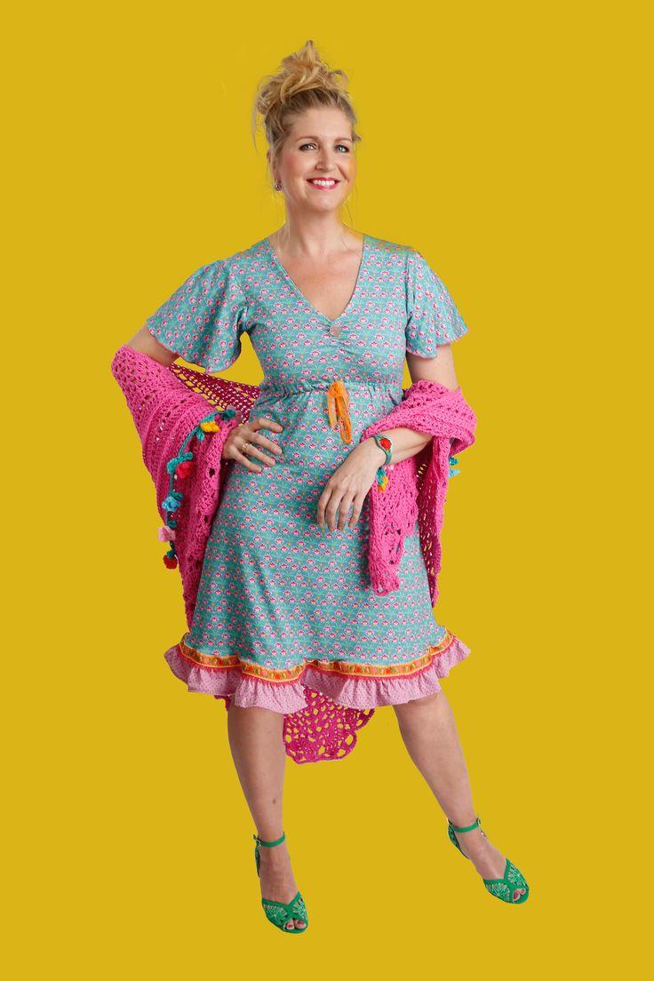 http://www.talulabelle.nl/dames-kleding/jurken/zomerjurk-lente-pastel-roze-roze-turquoise-zeegroen-bloemen-stippenjurk