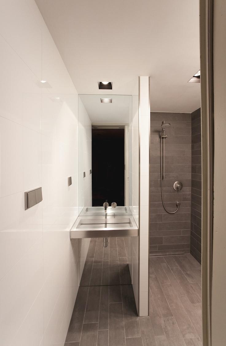 Kreon Down Lights; Mosa tiles, Grohe Axor Steel taps, handmade aluminium washbasin