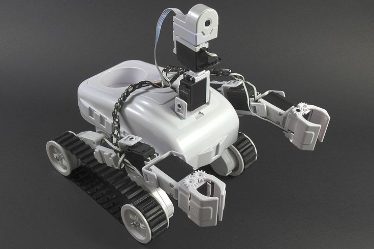 Looks like there's a new robot on the scene! Meet EZ Robot, the latest maker-bot in STEM education. ]