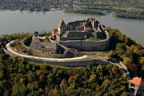 #Hungary - The Danube Bend with the Castle of Visegrad  Copyright NTO Hungary