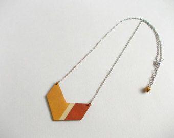 Geométrica, collar de madera Chevron, menta collar, joyería geométrica de madera