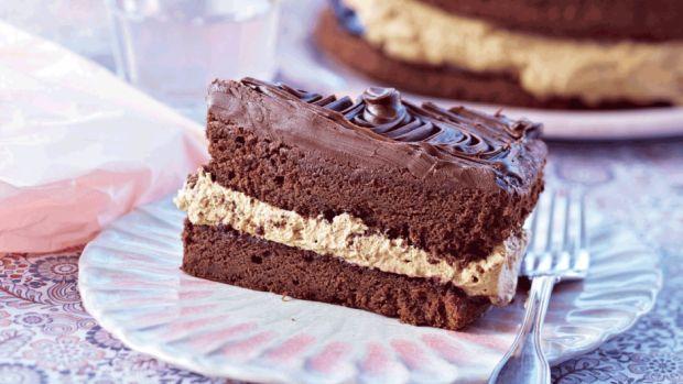 Chokoladekage med lakridscreme   Femina // chocolate + cake
