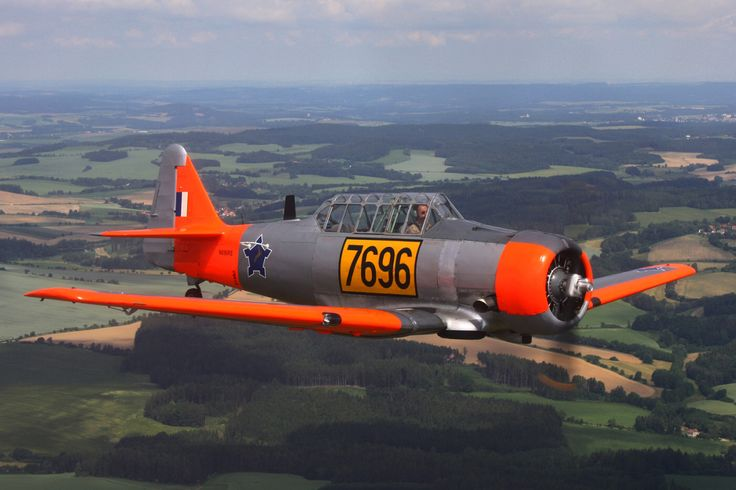 North American AT-6 Harvard Mk.II 00007.jpg (1200×800)