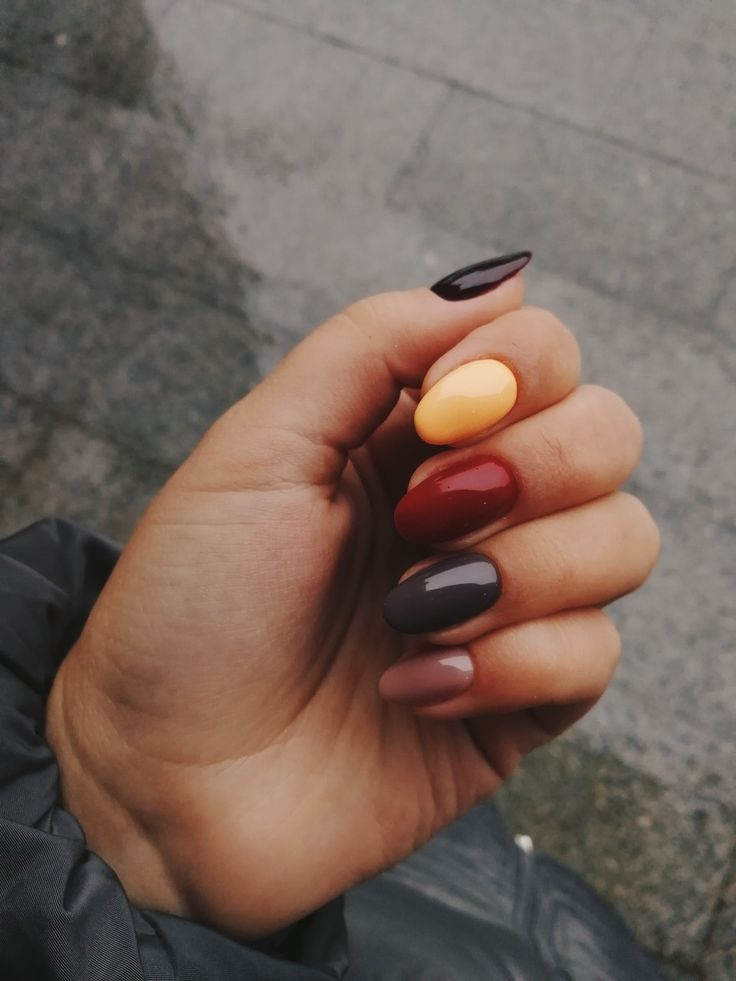 Autumn nails #manicure #fallnails #colours #nails #autumnnails