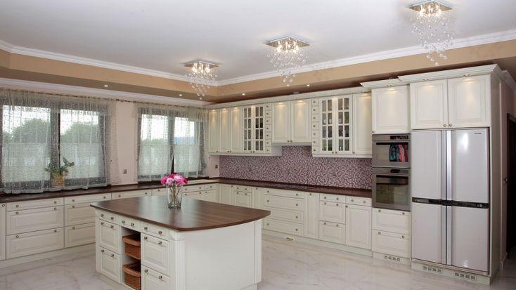 minőségi tömörfa konyhák