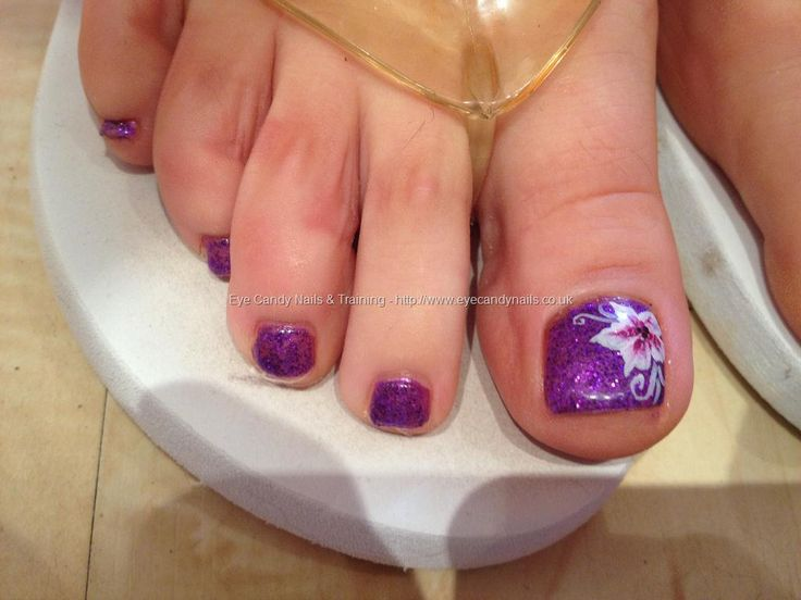 Purple glitter polish with pink and white one stroke flower nail art