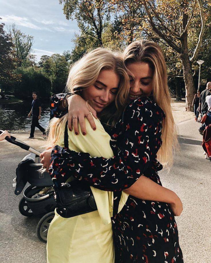 """Esmée Muriël van Es op Instagram: """"every 👧🏼 needs a 👧🏼 by her side…"""