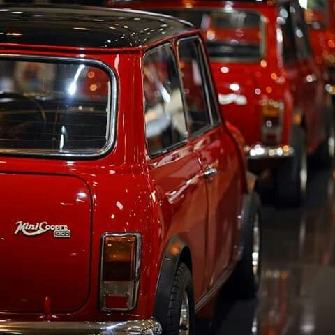 Innocents Mini Cooper 1300 Export. I own one of those. :-)))