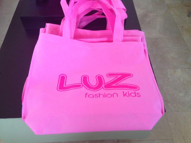 Haz tus pedidos exclusivos! te los entregamos en una hermosa y delicada bolsita con nuestro logo.