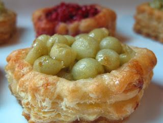 Puff pastry gooseberry tart with cashew cream