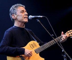 Chico Buarque http://www.latinosongs.com/chico-buarque/