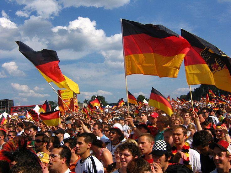 #Marbella festejará el Día Nacional de Alemania el viernes 3 de octubre  Marbella feiert den Nationalfeiertag #Deutschland am Freitag, 3 Oktober.   http://marbelladirecto.com/noticia/marbella-festejara-el-dia-nacional-de-alemania-el-viernes-3-de-octubre--/1421#.VCwYgfl_vFU