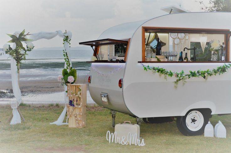 Vintage Charm - Brisbane vintage caravan bar, mobile bar, vintage bar, caravan bar, mobile cafe, wedding reception