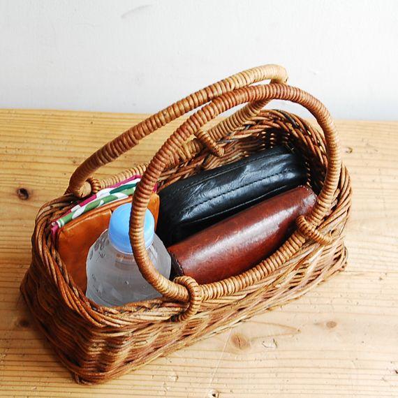 KOHORO バッグ・小物 オリジナルリング手    あけびかごのページです。 | 東京二子玉川のリネンバード、リゼッタ、コホロ、ムーリット、鎌倉オクシモロンの公式オンラインショップ。リネン生地や編み糸、ファッション、作家ものの器を販売。暮らしまわりのアイテムをお届けします。