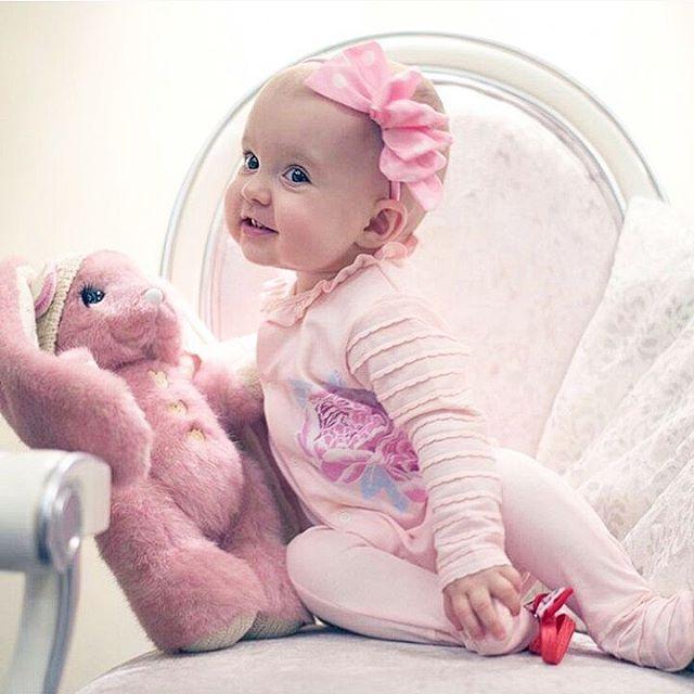 Комбинезон с пионами для маленьких принцесс :) Мягкий трикотаж нежнейшего светло-персикового цвета. 100% хлопок. Размеры: 62,68,74,80. Цена 1090 руб.