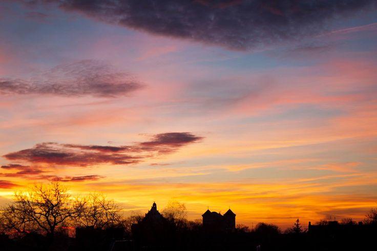 Zachód słońca nad kościołem farnym. #wagrowiec #wielkopolska #polska #poland #wągrowiec #sunset #sky #zachodslonca #niebo #fara Fot. Ł. Cieślak
