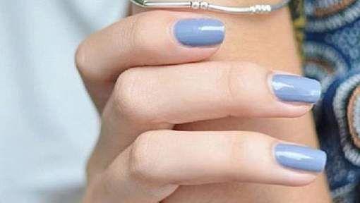 Populairste kleur nagellak stond op hln.be  Zou rood moeten zijn: doe je nooit iets mis mee.