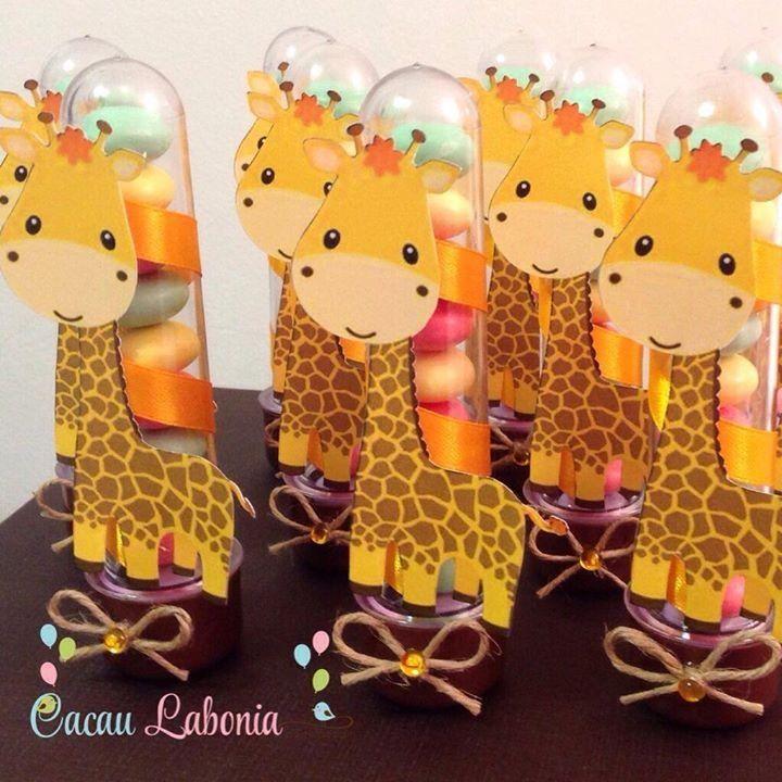 Dessa vez os tubetes viraram girafas!!!!