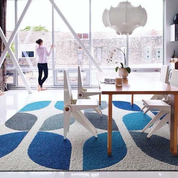 Get into the Summer spirit with Waves of Blue color-inspired carpet styles at @FLORSquares. Shown here: 'Jump Rope Rickly' a retro-inspired graphic pattern with arcing blues & greys set against a misty light-grey background. Like most FLOR squares Jump Rope Ricky is made from 100% recycled materials is easily washable and comes in easily-assembled pattern-blocks. Visit #FLORSoHo at 142 Wooster Street in the @SohoDesignDistrict to see Jump Rope Ricky & more  . . . . . #sohodesigndistrict…
